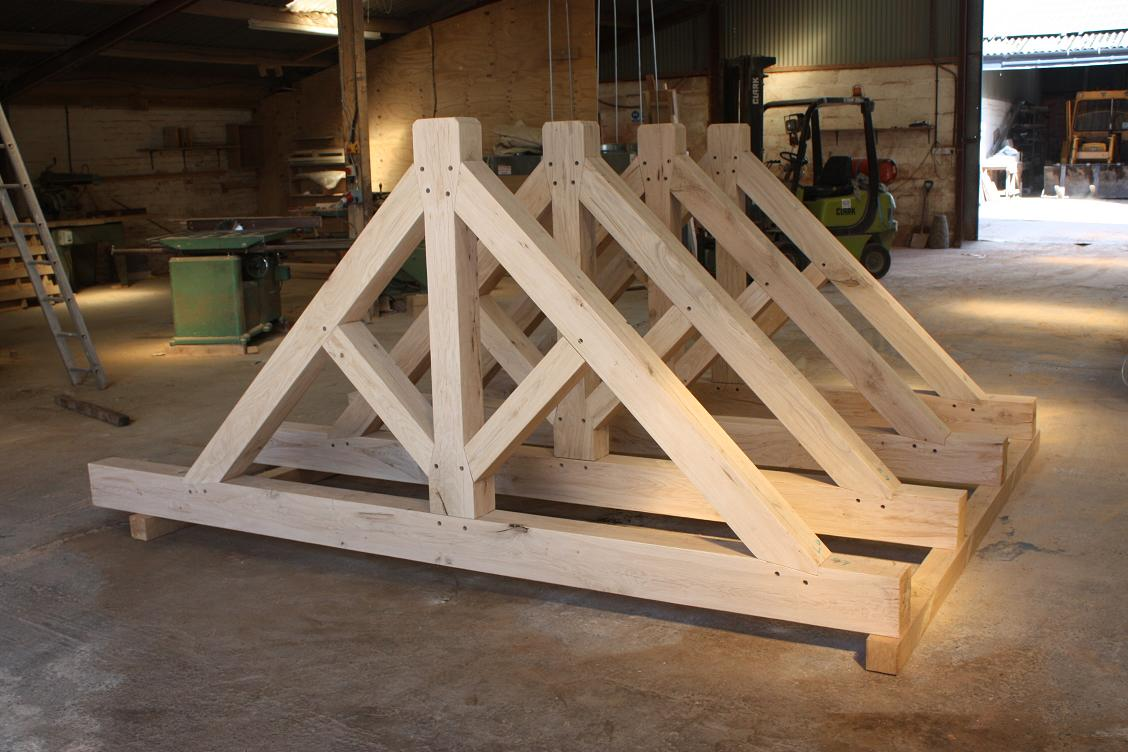 Tied King Post Truss Oak
